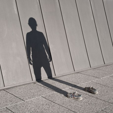 invisible-man-shadows